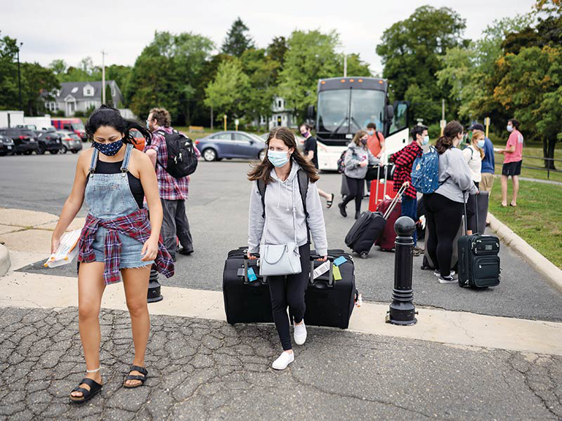 First-year student Alexandra Leeder arrives on-campus. Photo by Darren Calabrese, Macleans Magazine